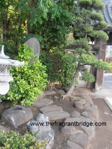 Area just inside temple entrance
